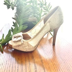 Christian Soriano Cream Lace/Cork Peep Toe Size 6